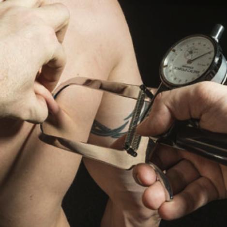 YPSI Hautfaltenmessung, Biosignature, Körperfett messen, Körperfettanteil bestimmen | Dein Personal Training in Köln | SchmieDer Trainer | Personal Trainer